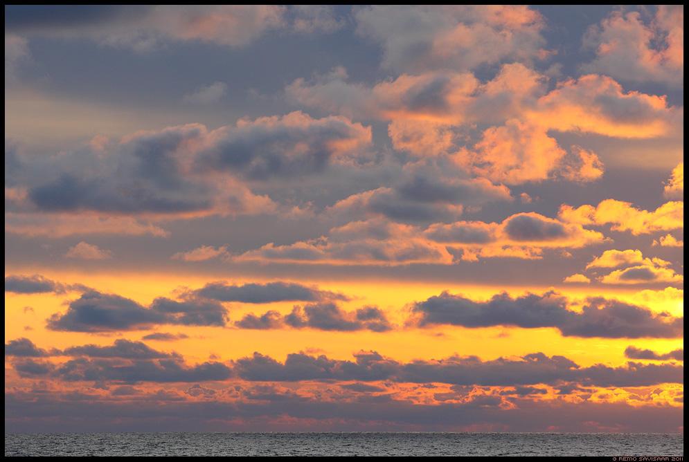 Õhtupilved, Evening clouds, meri, õhtu, sunset, päikeseloojang, hiiumaa