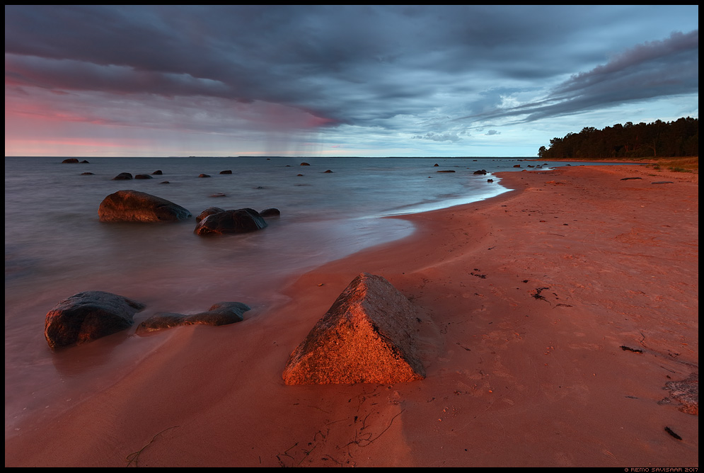 Ulmevalgus, Sunset red hiiumaa kõpu dramatic sunset vihmasadu Remo Savisaar Eesti loodus Estonian Estonia Baltic nature wildlife photography photo blog loodusfotod loodusfoto looduspilt looduspildid landscape nature wild wildlife nordic