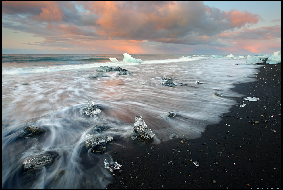Island, Iceland, Jkulsrln, Ice Sculptures on Black Sand, beach, liusikuj, jtkid, sunrise, Pieces of Ice