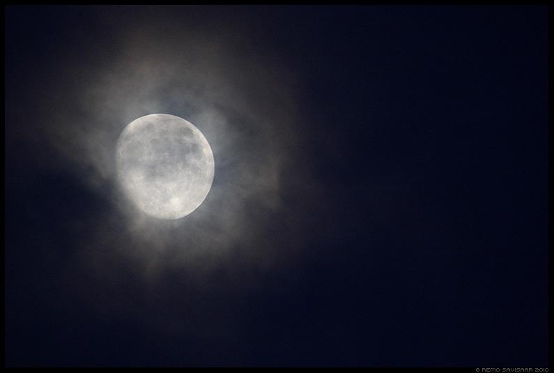 Kuupaiste, Moonshine