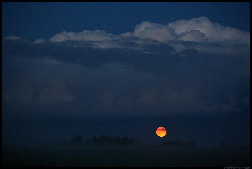 Kuutõus, Moonrise, ööpilved