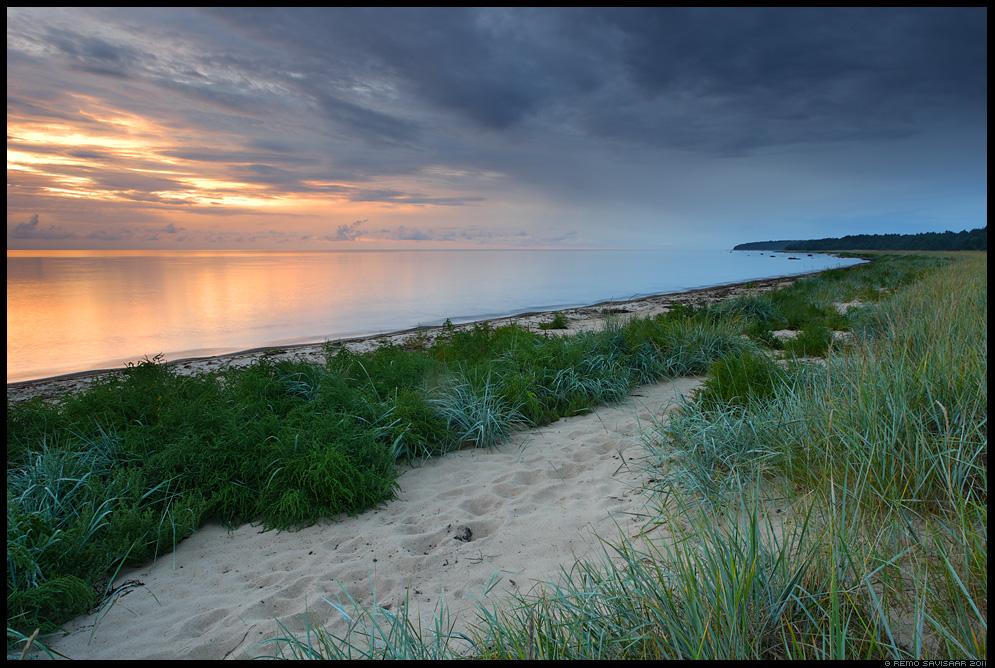 Vaikne õhtu rannikul, A quiet evening at the coast, Õhtupilved, Evening clouds, meri, õhtu, sunset, päikeseloojang, hiiumaa