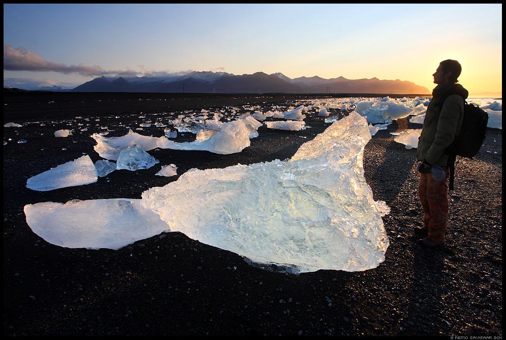 Remo Savisaar, Island, Iceland, Jökulsárlón, Ice Sculptures on Black Sand, beach, liusikujää, jäätükid
