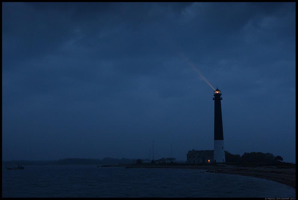 Sõrve majakas, Sõrve lighthouse, Saaremaa Island, peninsula, Tuluke pimeduses, Light in the dark, sääre, sõrve säär, light beams, hämar, pime, õhtu, öö, gloomy, night, dark, stormy, tormine, torm, meeleolu
